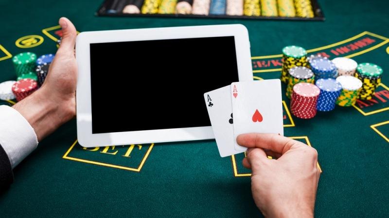 Waktu Terbaik Bermain Poker Online